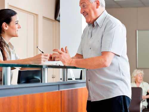 Dicas de gestão: aprenda a controlar o tempo de espera em filas no seu laboratório