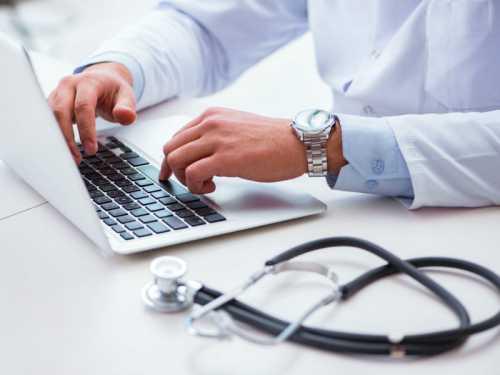 Tire o consultório do vermelho: dicas de gestão financeira para clínicas médicas